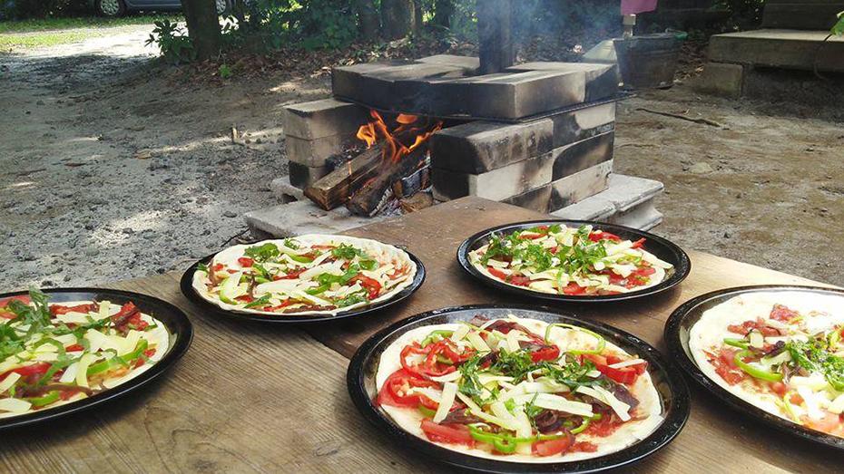 里山食育プログラム釜焼きピザ体験