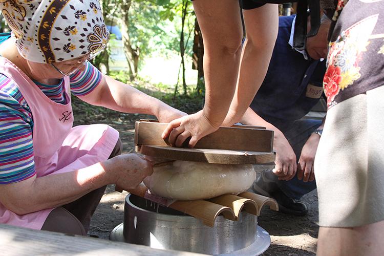 霧島里山食育 豆腐作り